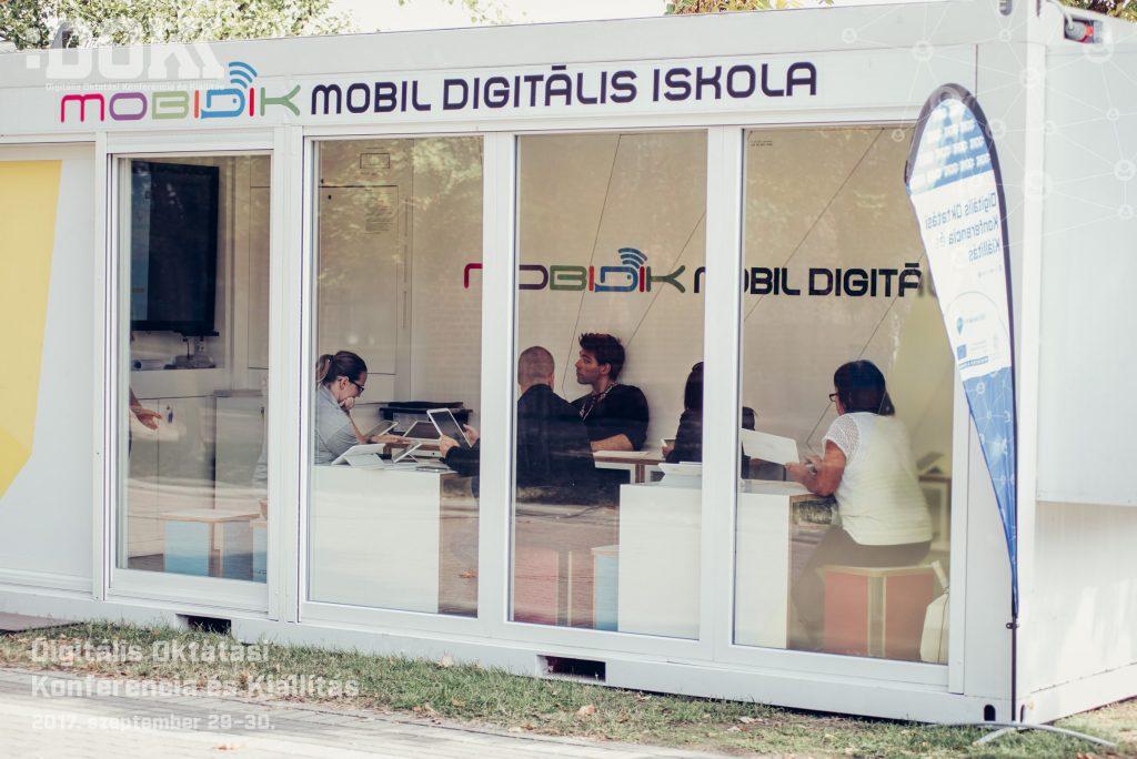 Mobidik – Mobil Digitális Iskola
