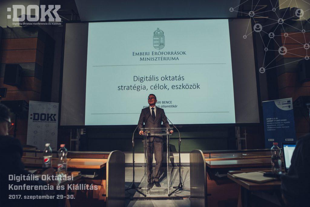 Rétvári Bence parlamenti államtitkár – Emberi Erőforrások Minisztériuma
